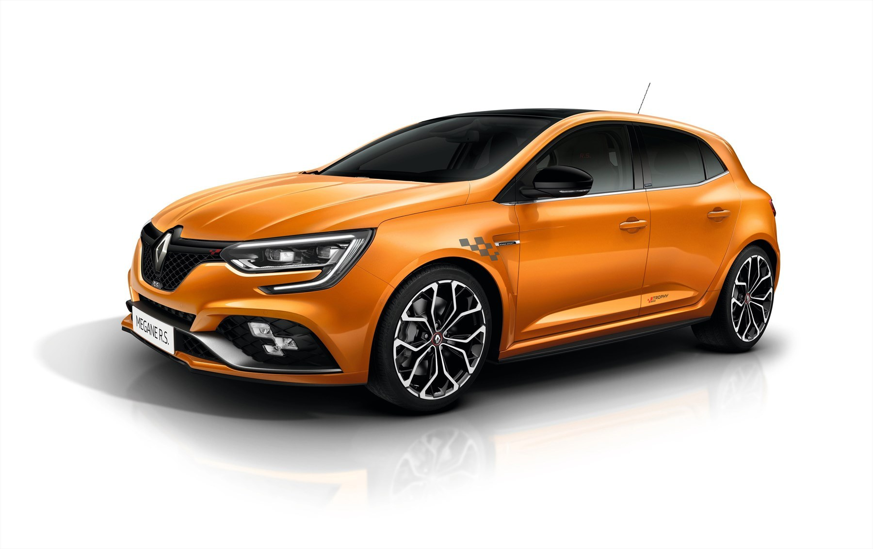 Renault meganers trophy orange qfront 1800x1800