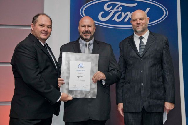 Neale Hill, CEO of Ford SA and sub-Saharan Africa; Pierre Beukes (Dealer Principal at Human Auto Welkom) and Conrad Groenewald (Director Marketing, Sales & Services, Ford SA).