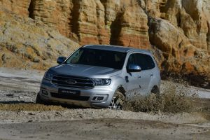 Ford everest xlt 356 1800x1800